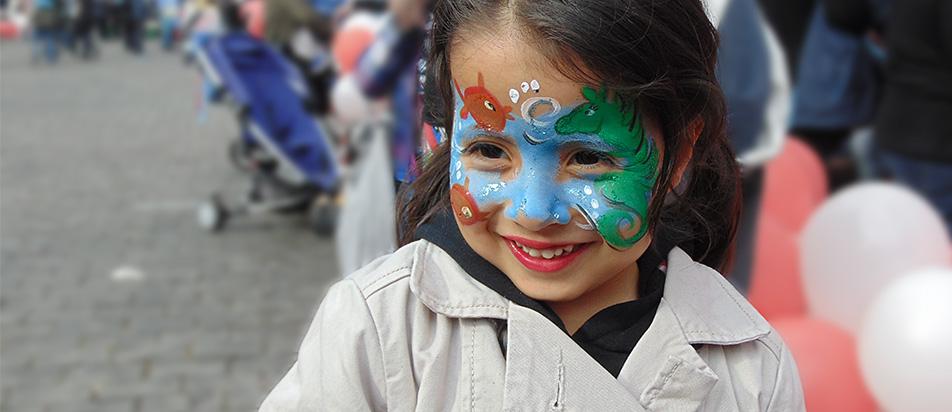 Kinderschminken & Glitzer-Tattoos von Knallfrosch Kinderevents Düsseldorf